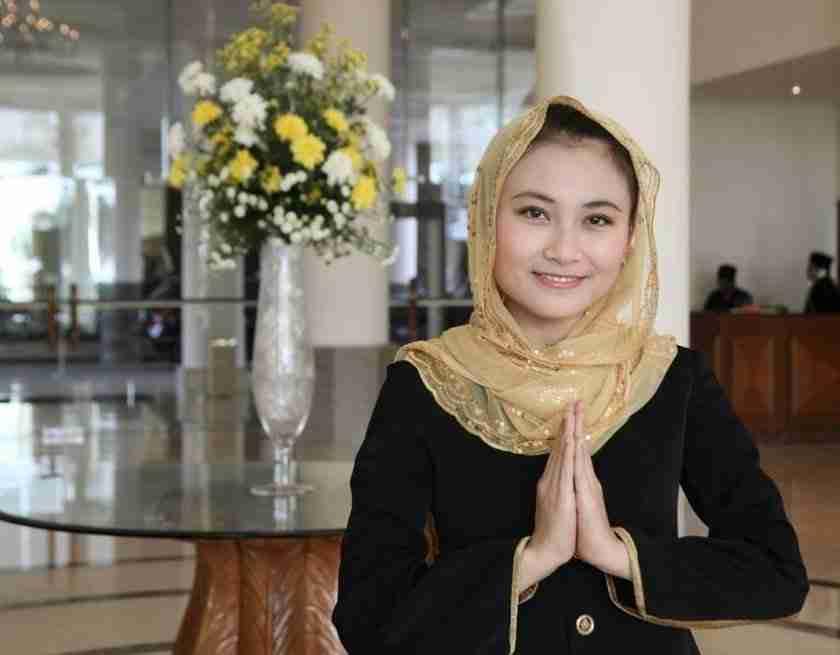 What does Halal tourism entail Six questions