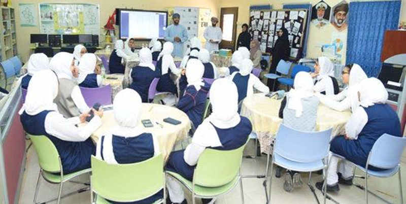 training-students-by-oman-meethaq _0