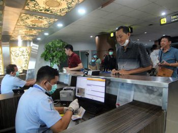 Jakarta imposes strict regulations on retunees, foreign entrants
